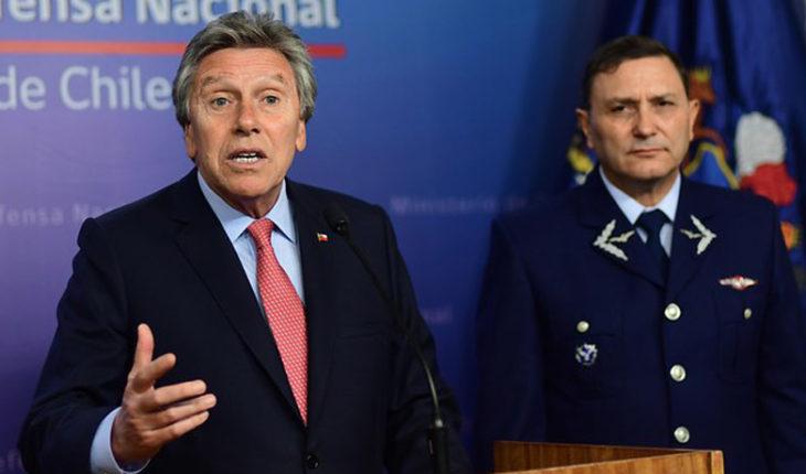 Ministro de Defensa no está de acuerdo en cambiarle el nombre al aeropuerto de Santiago