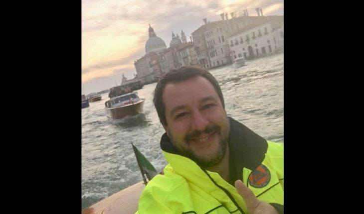 Ministro de Italia causó indignación tras compartir imagen sonriente desde zona de catástrofe en Venecia