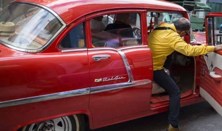 Para amantes de los carros. Organizan exhibición de autos clásicos