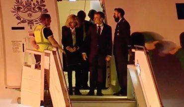 Paradojas: Emmanuel Macron fue recibido por un operario con chaleco amarillo
