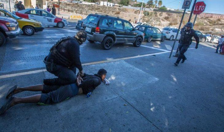 Policía de Tijuana reporta detención de 39 migrantes
