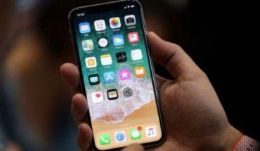 """Qué es el """"toque fantasma"""" del iPhone X y qué ofrece Apple para solucionarlo"""