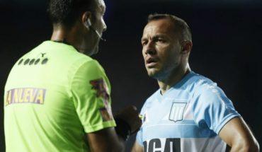 Racing de Marcelo Díaz se mantuvo en el liderato tras vencer a Newell's