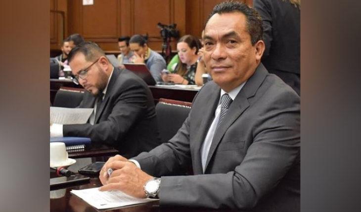 Regresar nómina de educación básica y normal, una decisión acertada en favor de los michoacanos: Adrián López Solís
