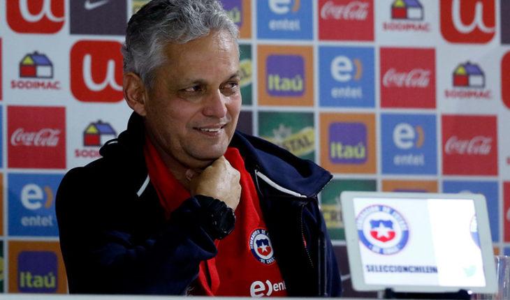 Rueda no cerró la puerta a dejar la Roja y defendió exclusión de Vargas y Díaz
