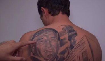 Se tatuó la cara del médico que le salvó la vida