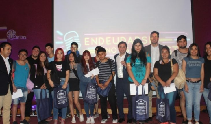 Sernac e Injuv lanzan campaña para prevenir el sobreendeudamiento juvenil