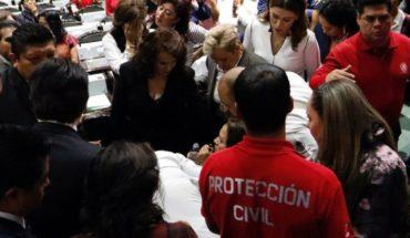 Video: En plena sesión, informan a diputada que asesinaron a su hija