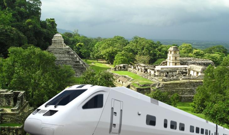 Zócalo capitalino registra gran afluencia de votantes sobre el Tren Maya