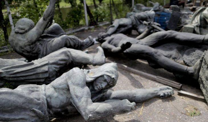 """""""Hospital"""" cura esculturas argentinas víctimas de vandalismo"""