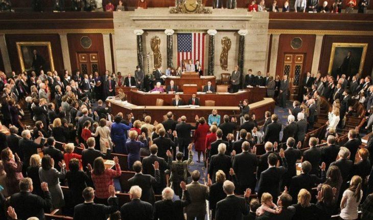 9 Democratic Senators re-validated his seat in the Senate