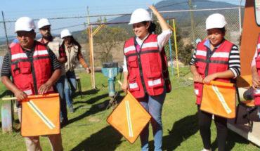 Araceli Saucedo da arranque a la construcción de un techumbre en Jardín de Niños, en Salvador Escalante