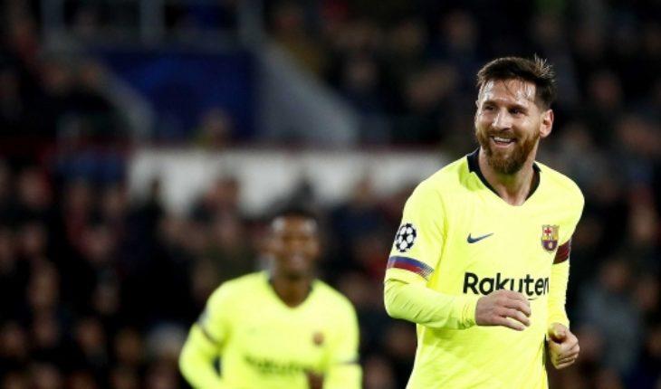 Barcelona de Vidal gana al PSV y clasifica a octavos de final de Champions