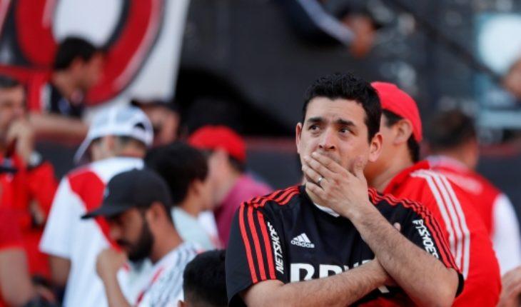 Bochornoso: Conmebol finalmente suspende final River-Boca después de 5 horas