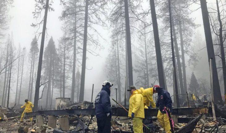 California: Lluvia ayuda a apagar incendio