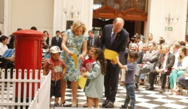 Correos de Chile inició campaña navideña para apadrinar a más de 36 mil niños vulnerables