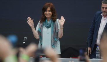 """Cristina Kirchner: """"in 3 years neo-liberalism has gone into debt the country"""""""