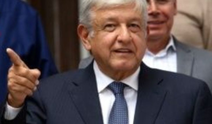"Dan ""low blow"" López Obrador with cover of Magazine"