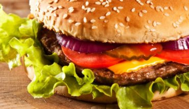 Eat only hamburgers for a month and slim 6 kilos
