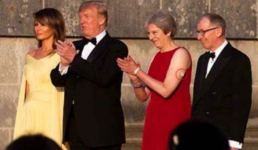 El dispositivo blanco que tiene Theresa May en el brazo y que todos los diábeticos quisieran tener