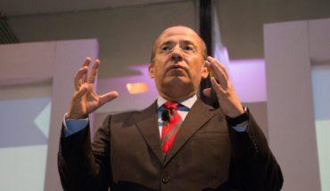 Felipe Calderón looks to create his own political party