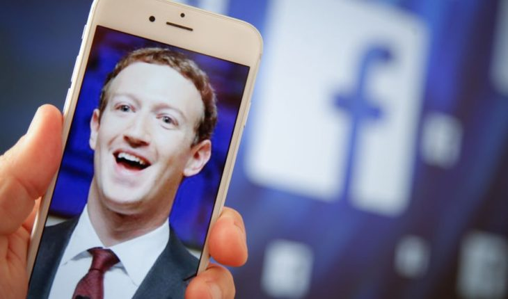 How Mark Zuckerberg uses his own Facebook account