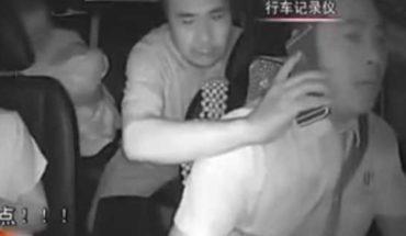 Llaman 'Superman' a taxista por salvar a bebé enfermo en China