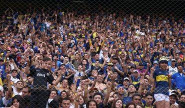 Los hinchas de Boca coparon la Bombonera y el club debió cerrar las puertas