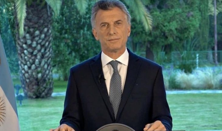 """Macri declared three days of mourning and said that family members are""""not alone"""""""