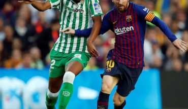 Messi returns and scoring 2, but Barcelona falls to Betis
