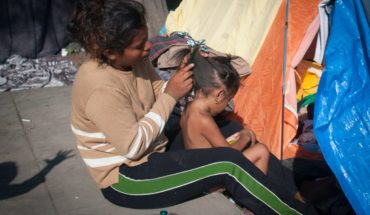 Migrants are fleeing gang of Honduras with children and babies