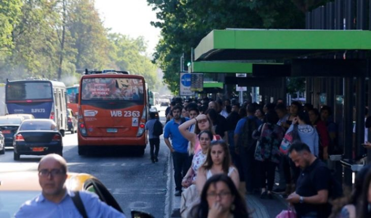 Power outage affects ten communes of Santiago and wreaks havoc on the underground