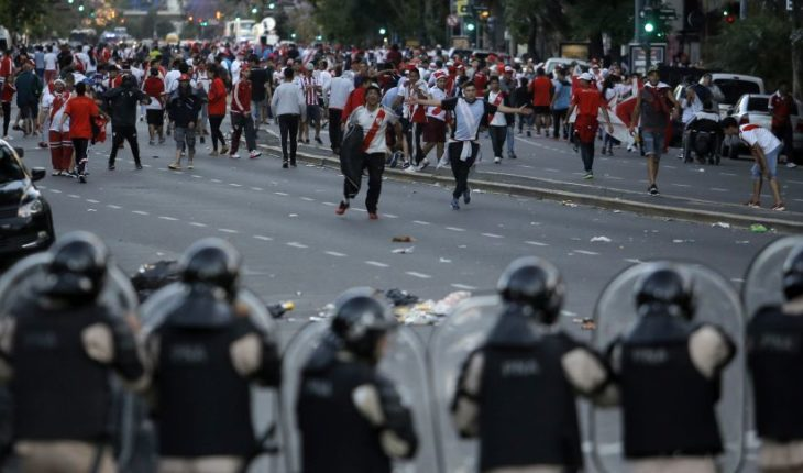 """Presidente de Conmebol y la final River-Boca: """"El fútbol no se gana con piedras ni agresiones"""""""