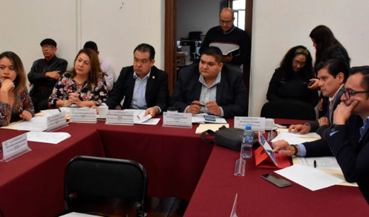 Progresses in committees of the Congress from Michoacán revision of laws of municipal income