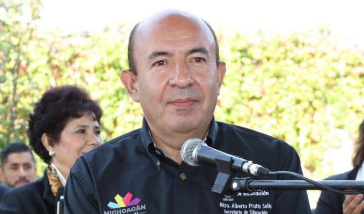 Secretary of education calls on unions to give proposals to solve missing payments in Michoacán