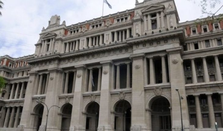 The Court upheld the expulsion of a foreigner with a history criminal