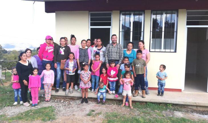 Víctor Báez inaugura obra en la comunidad de Rancho Nuevo Pátzcuaro, Michoacán