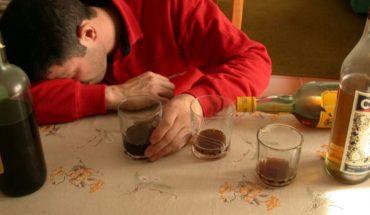 Científicos descubren genes asociados con el alcoholismo