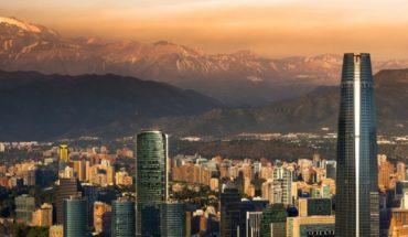 """Como la espuma: la """"banca en las sombras"""" se instala cada año con más fuerza en Chile"""