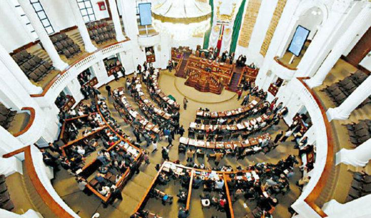 """Congreso de CDMX aprueba gasto de 13 millones 900 mp en """"vestuario"""""""