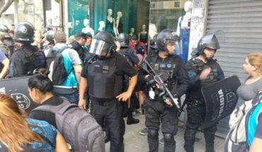 """Denuncian """"detenciones masivas"""" a manteros en Once y Flores"""