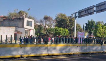 Empleados de la UAEM bloquean Cuernavaca por falta de pago