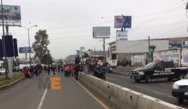 En Michoacán, sindicatos se manifiestan por falta de pagos