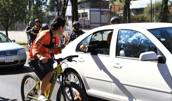 En ti confiamos, grita ciclista a AMLO cuando iba rumbo a San Lázaro