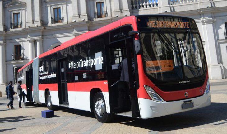 Flota de 100 buses eléctricos del Transantiago fueron embarcados desde China