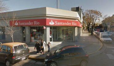 Incendio en un banco de Flores: investigan si fue intencional