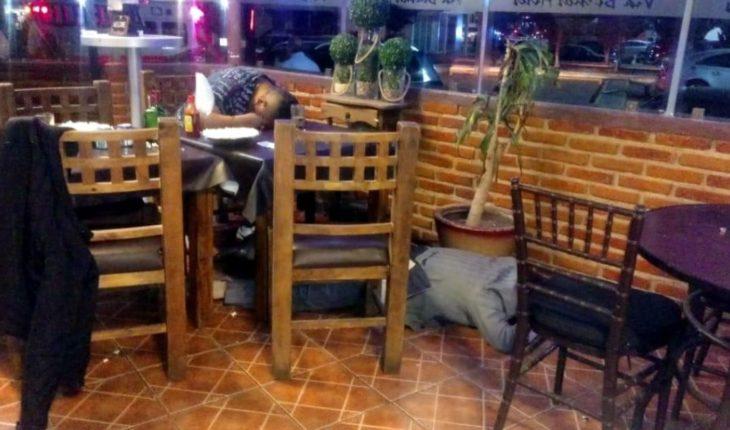 Matan a 3 hombres en un restaurante en EdoMex