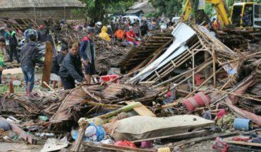Momento exacto en que el tsunami irrumpe concierto arrasando a todos