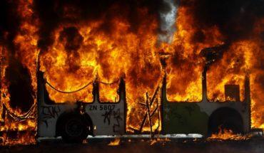 Ocho buses del Transantiago fueron destruidos por ataques incendiarios en noviembre