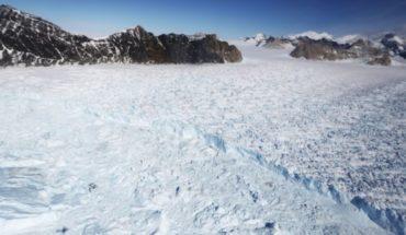 Por primera vez hombre logra cruzar la Antártida sin ayuda